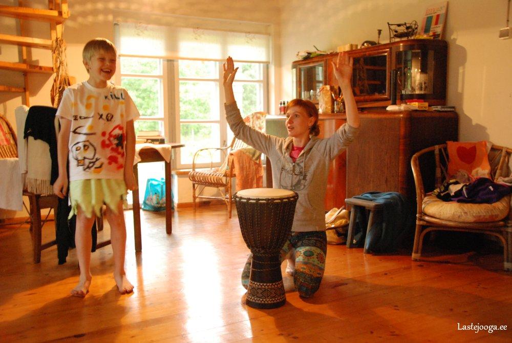 Laste-jooga-suvelaager-2015-08.jpg