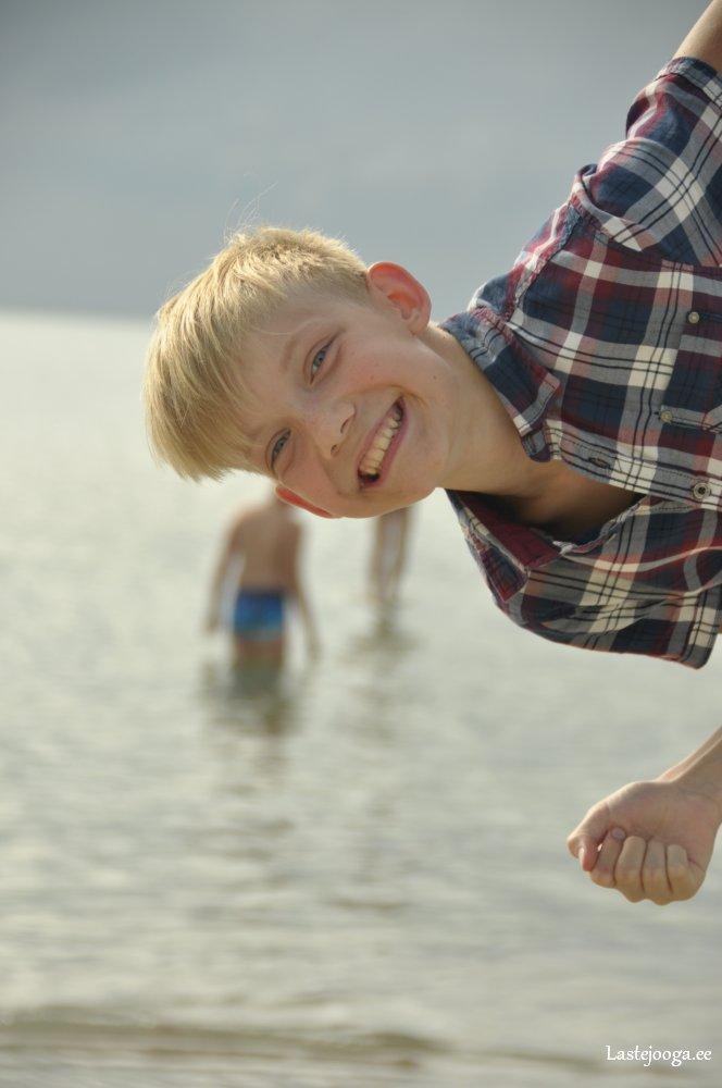 Laste-jooga-suvelaager-2016-01.jpg