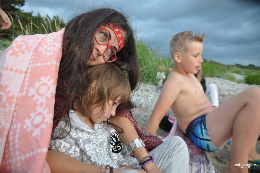 Laste-jooga-suvelaager-2016-04.jpg