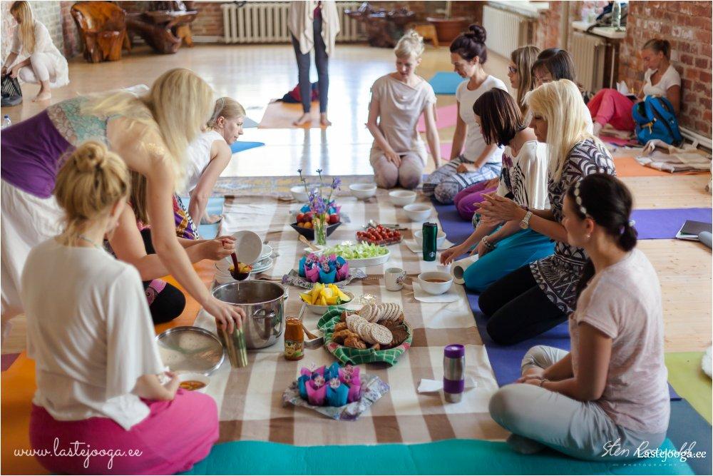 Laste-joogaopetajate-koolitus-2016-167.jpg